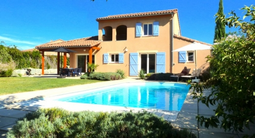 Villa / house BELLE to rent in Vallon pont d'arc