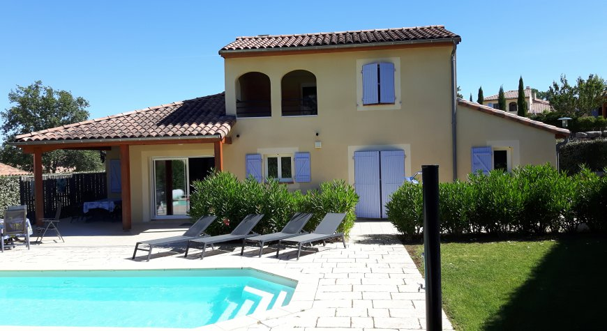 Villa / Maison FIFTA à louer à Vallon pont d'arc