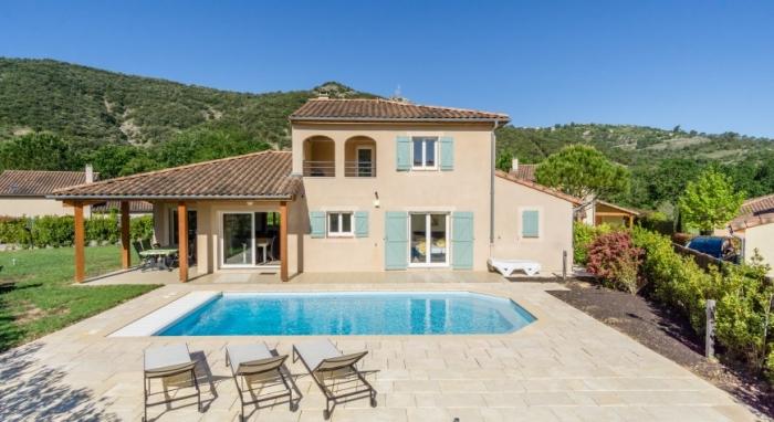 Villa / Maison MONTANA à louer à Salavas