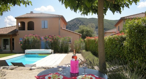 Rental villa / house luma