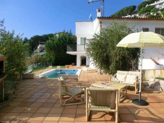 Villa / house LISOU to rent in Lloret de Mar