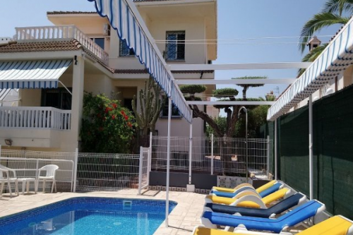 Villa / house tomas to rent in ampolla