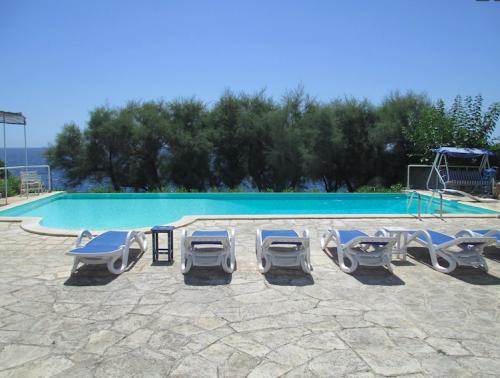 Property villa / house bleue