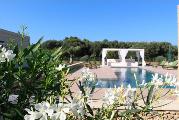 Villa / house OLEA to rent in Lizzanello