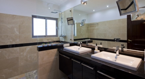 Rental villa / house roya