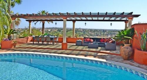Villa / house ALBA to rent in  Carvoeiro