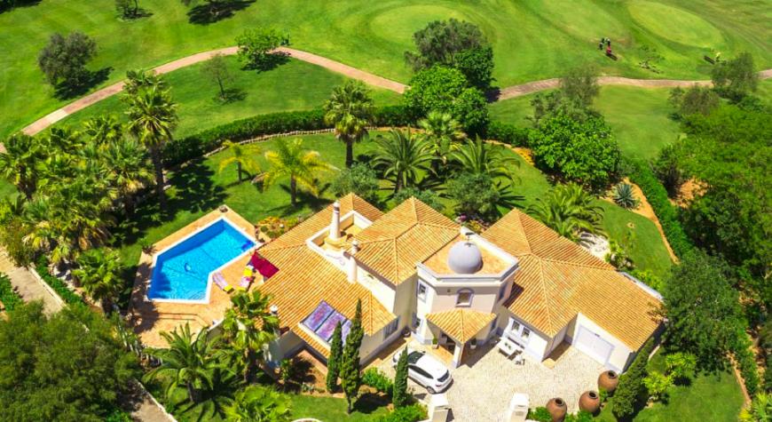 Villa / Maison GRAMINEE à louer à Carvoeiro