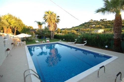 Reserve villa / house blue