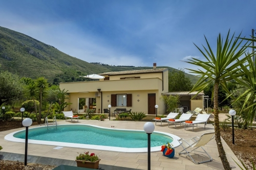 Villa / Maison ZARAGA à louer à Castellammare del Golfo