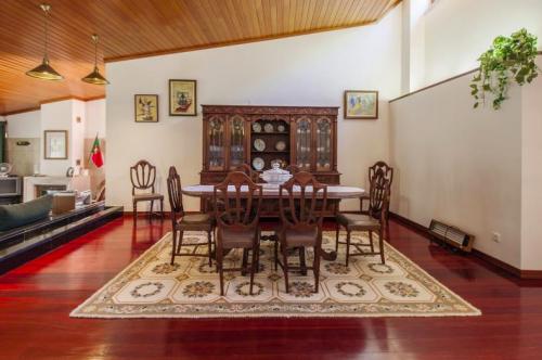Villa / house falia to rent in aroeira