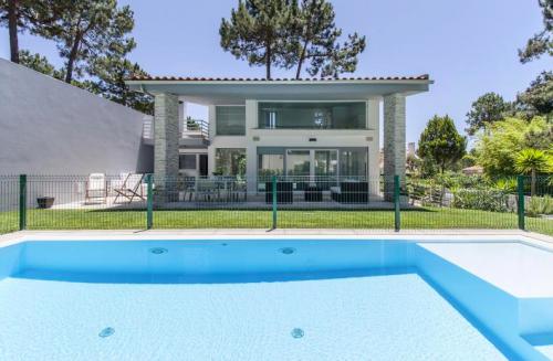 villa à Aroeira , vue : piscine