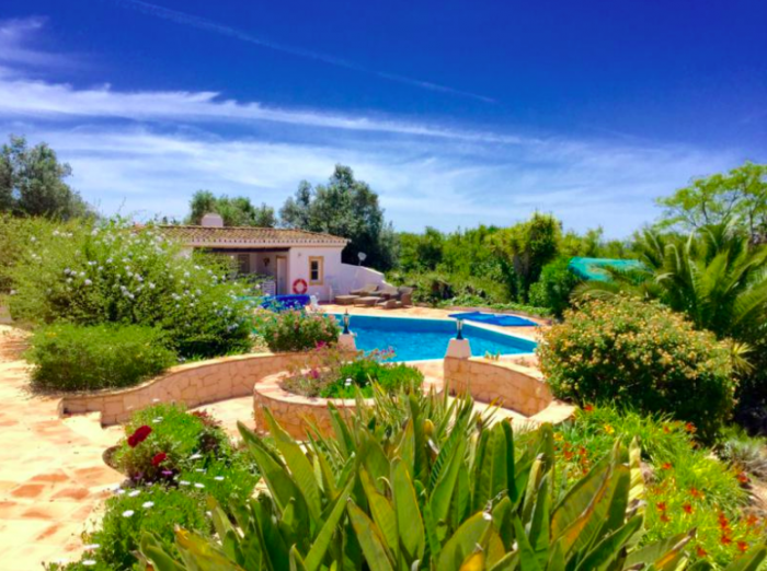 Villa / house LAMBERTIN to rent in Mexihoeira Grande
