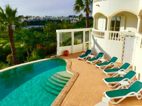 Rental villa / house sunbed