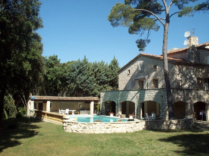 Location villa rognes 14 personnes jb507 for Aix en provence location maison