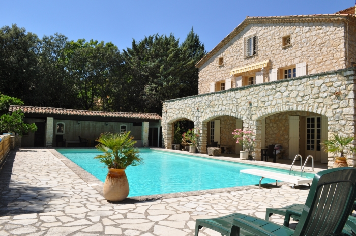 Villa / house Proche d'aix-en-provence to rent in Rognes