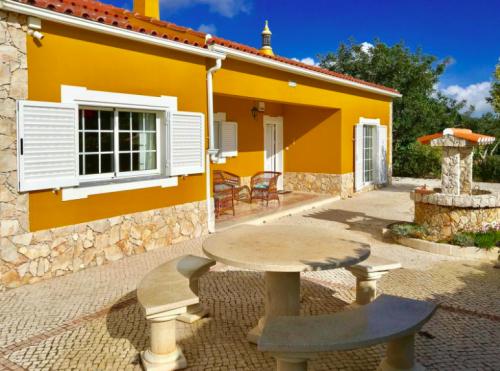Rental villa / house perrine