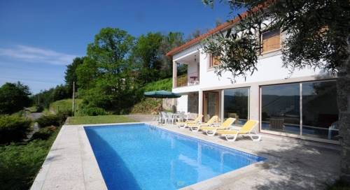 Property villa / house lara