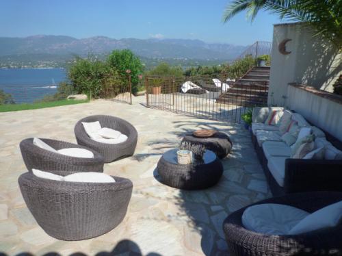 Reserve villa / house leonida