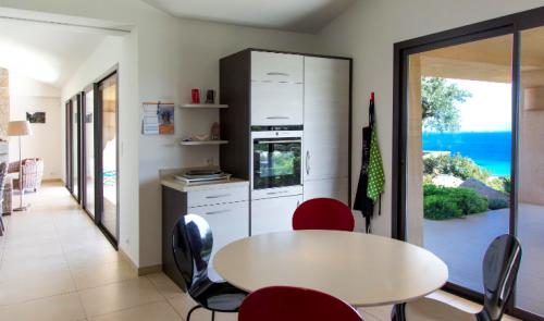 Property villa / house ela