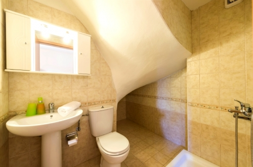 Property villa / house aramis