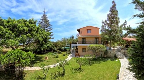 Villa / house kairos to rent in karteros