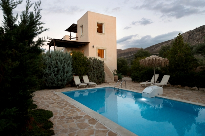 Villa / house Myron to rent in Listaros