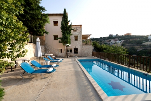 Villa / house Asteria to rent in Maroules