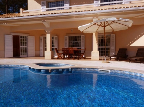 Villa / house cosy to rent in aroeira