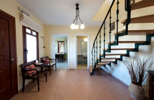 Villa / house persil to rent in plaka