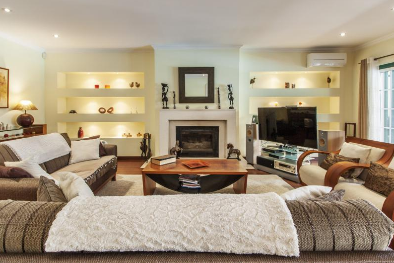 Rental villa / house ariane