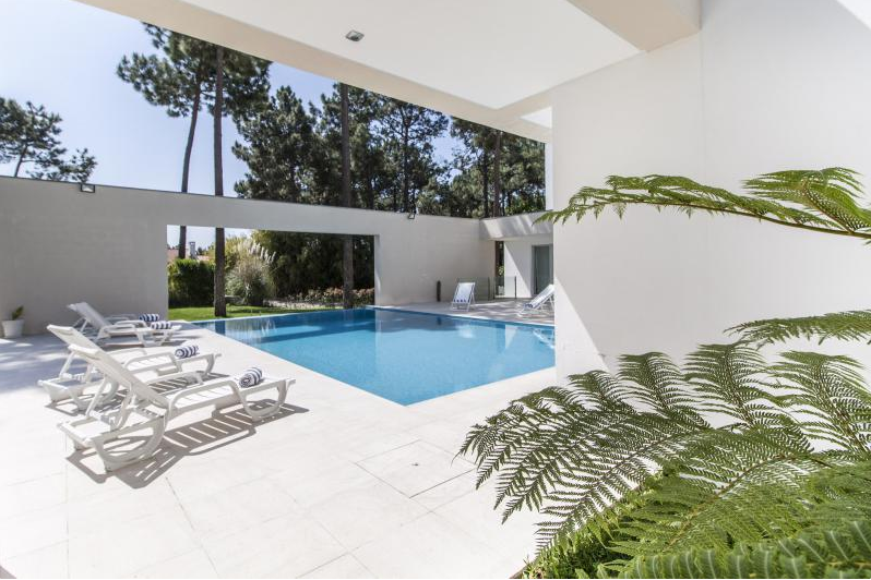 Location villa / maison blanche design