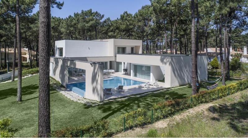 Réserver villa / maison blanche design
