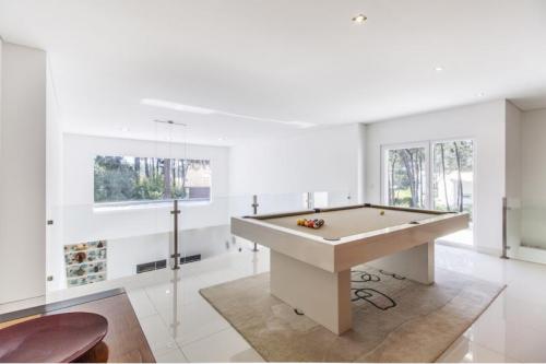 Reserve villa / house blanche design