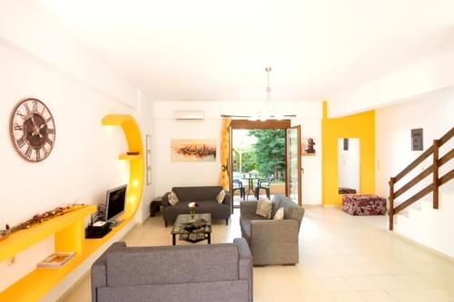 Property villa / terraced or semi-detached house mélodie