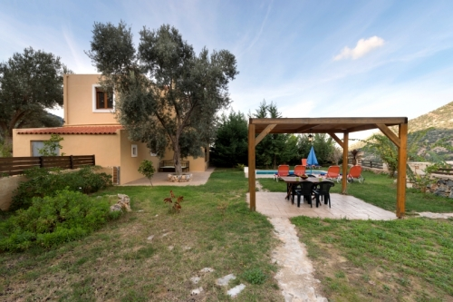 Property villa / terraced or semi-detached house passio