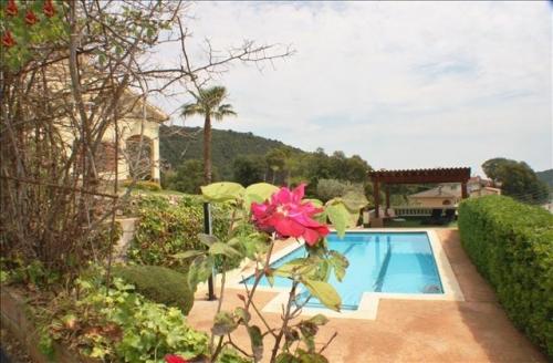 Reserve villa / house vallalta