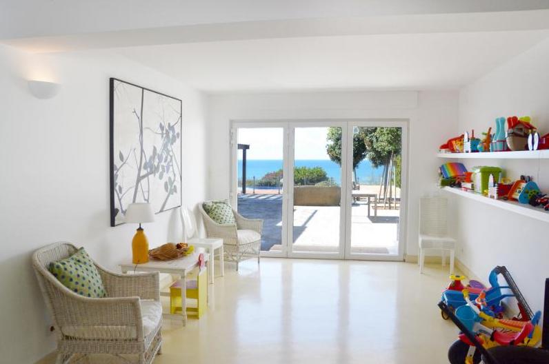 Rental villa / house blue piscine