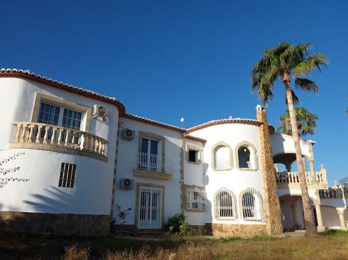 Reserve villa / house helena