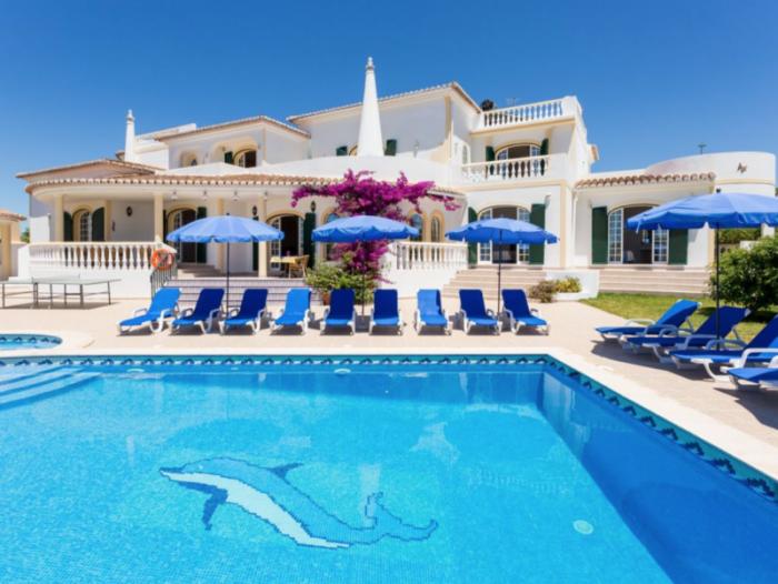 Villa / house Villa Papillon to rent in CARVOEIRO