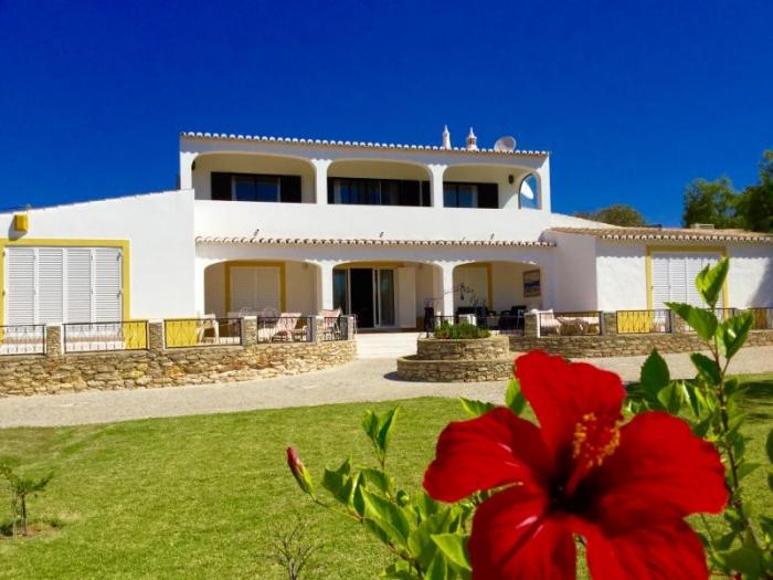 Villa / house Castelo do mar to rent in  Carvoeiro