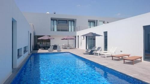 Property villa / house azenha