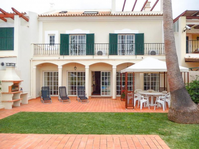 Villa / house Amentada to rent in Vilamoura