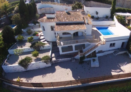Villa / house trencalla to rent in javea