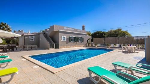 Villa / maison bassita à louer à carvoeiro