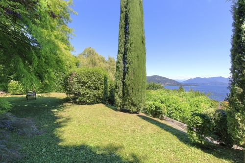 Villa / house bellevue  to rent in meina - lac majeur