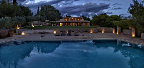 Villa / maison holmes à louer à porto heli