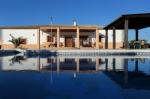 Villa / house El Pequena to rent in Marchena