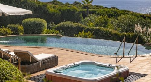 Location villa / maison jardin sur la mer