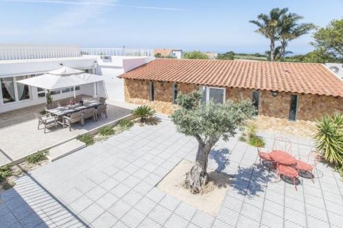 Reserve villa / house los caballos