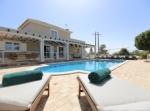 Villa / house manzana to rent in caramujeira